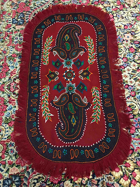 Pateh oval tablecloth red